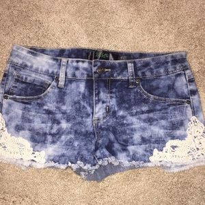 NWT Thread Market acid washed shorts size 7